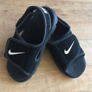 Nike Sunday Black Velcro toddler sandals 10 EUC